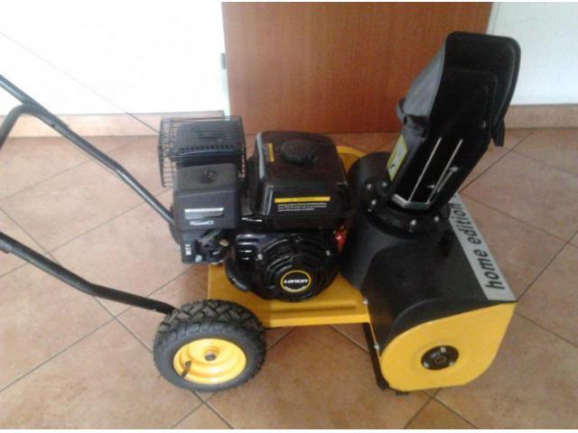 Schneefräse 4 Takt 4,5 PS Benzinmotor Kehrmaschine Schneeschieber