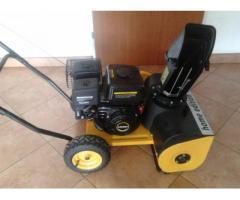 Schneefräse 4 Takt 4,5 PS Benzinmotor Kehrmaschine Schneeschieber Schneeräumer