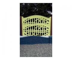 Betonset: 3x Betonplatte + 1x Pfosten mit Ornamenten